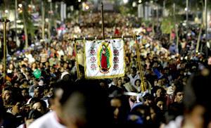 Las autoridades de la capital mexicana destacaron que hasta ahora los festejos en honor a la Virgen se desarrollan sin contratiempos y cifraron los visitantes hasta la tarde del 12 de cieiembre en unos 5.8 millones.