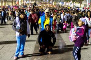 Fieles acudieron a cumplir mandas a la Basílica de Guadalupe.
