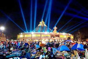 Alrededor de 5,8 millones de fieles visitaron la Basílica de la Virgen de Guadalupe en la capital mexicana, con motivo de cumplirse hoy el 481 aniversario de su última aparición ante el indígena Juan Diego, canonizado en 2002.