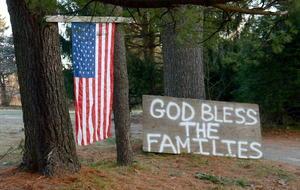 En las calles se pueden apreciar mensajes de apoyo a los familiares de las víctimas.