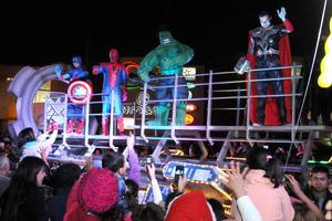 Superhéroes como Spider Man y el Capitán América no podían faltar en el desfile.