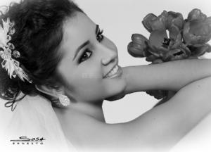 LIC. Claudia Irene Romo Serda el día de su boda con Lic. Jorge Alberto López Vie.- Studio E. Sosa