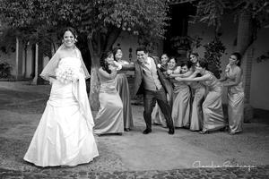 30122012 L.C.P. ÉRIKA  Guadalupe Escamilla Flores, el día de su boda con Ing. Mauro Alejandro Martínez Reyes.
