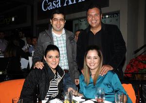Gustavo y Tayra Bollaín y Goytia, Fernando y Laura Segovia.