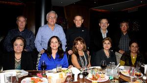 Felipe y Gabriela, Gabriel y Flor, Vicente y Laila, Jorge y Lupita, Osvaldo y Carmelita.