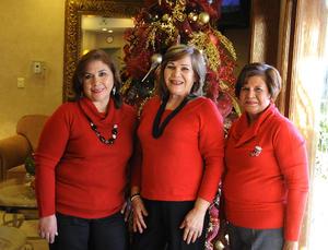 Lily, Clelia y María Elena.