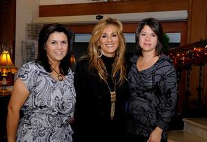 Magda, Nora y Cecy.