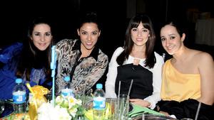 Sofía, Samantha, Mey y Marcela.