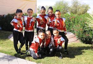 Valeria, María José, Mía, Katia, Ingrid, Valentin, Silvana y sofi.