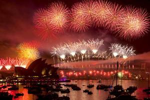Los países de Oceanía, desde la pequeña nación de Samoa a la parte oriental de Australia, que es el sexto país mayor del mundo, fueron los primeros en recibir el 2013.
