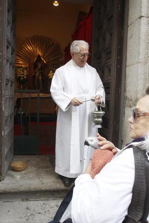 En la Iglesia de San Antón de Madrid se recibieron mascotas de todo tipo.