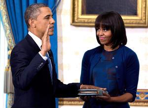 Obama, de 51 años, usó para el juramento ante el magistrado John Roberts, presidente del Tribunal Supremo de EU., una Biblia propiedad de la familia de su mujer, Michelle, en un acto formal que fue televisado.