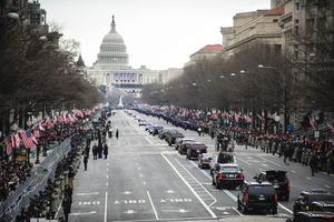 Después de la ceremonia en el Capitolio, se realizó un desfile por la Avenida Pensilvania en Washington.
