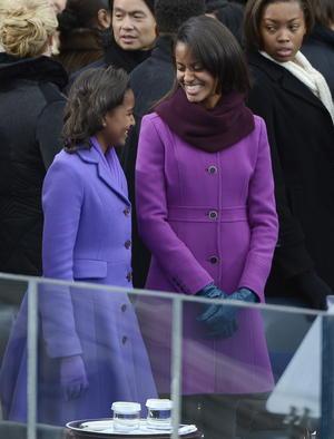 Las hijas del presidente Obama lucieron sonrientes durante la ceremonia.