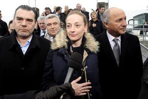 La francesa Florence Cassez, cuyo juicio por secuestro se convirtió en un escándalo al revelarse el montaje televisivo de su detención hace siete años, fue liberada por orden de la Suprema Corte.