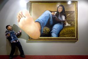 Para celebrar el Festival de Primavera, realizan una exposición de pinturas en 3D.