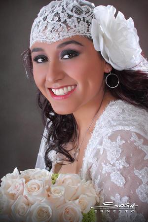 Lic. en Derecho Ana Cristina Ávalos Rivas el día de su boda con el Sr. Armando Uriel Vega Zúñiga.- Studio E. Sosa