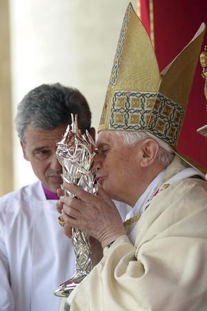 Benedicto XVI, proclamó beato a su predecesor, Juan Pablo II.