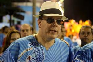 El Príncipe Alberto de Mónaco disfrutó del Carnaval de Río de Janeiro.