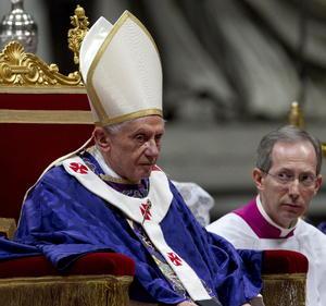 """Benedicto XVI  dijo durante la misa que Jesús denunció la """"hipocresía religiosa, el comportamiento de quienes buscan el aplauso y la aprobación del público""""."""
