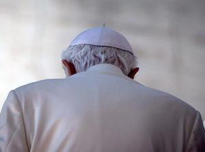 """El Papa agregó que nunca se sintió solo y agradeció a sus cardenales y colegas por su guía y por """"comprender y respetar esta importante decisión""""."""