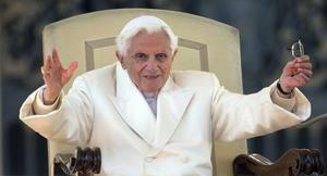 """Recordó que cuando lo eligieron papa el 19 de abril de 2005, se cuestionó si Dios realmente lo quería. """"Es una gran carga que has colocado sobre mis hombros"""", recordó haberle dicho a Dios."""