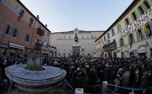 Los fieles estuvieron llegando desde tempranas horas de la mañana para acompañar al pontífice.