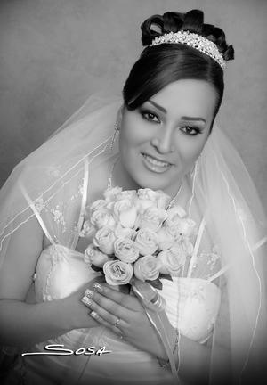 Srita. Wendy Lourdes Gil Dena, el día de su boda con el Sr. Rogelio Rivas Morales.- Studio R. Sosa