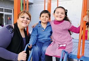 Marcela, Joselito y Jimena asistieron a un divertido cumpleaños.