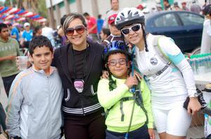 Alan, Marcela, Alexis y Mariana.
