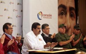 Apenas el martes 05 de marzo, fecha en que falleció Chávez, el vicepresidente Nicolás Maduro anunciaba que el presidente venezolano había sido víctima de intereses extranjeros y el mismo día, Maduro anunció su muerte.