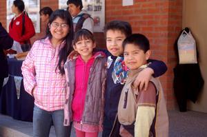Andrea, Diana, Pedro y Emmanuel.