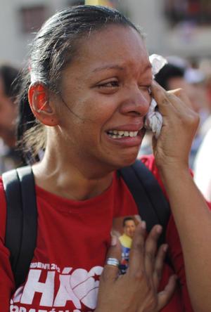 Simpatizantes lloraron al ver pasar el cortejo fúnebre