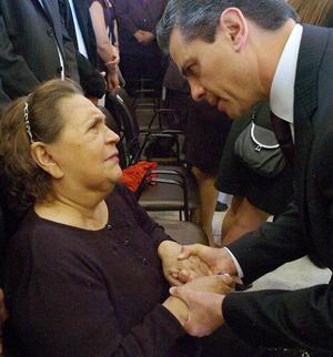 Enrique Peña Nieto expresó sus condolencias a la madre del fallecido presidente de Venezuela, Hugo Chávez, Elena Frías.