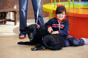 Valeria con su mascota Gorda.