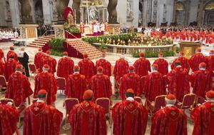 """Uno de los primeros actos de la mañana fue la misa votiva """"Pro eligiendo Pontífice"""", la cual se desarrolló en la Basílica de San Pedro."""