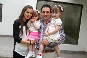 Daniela,  Luisa, Patricio y Romina.