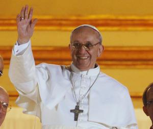 El papa Francisco, el cardenal argentino Jorge Mario Bergoglio salió a saludar a los fieles.
