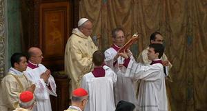 """Otra de las intenciones fue: """"Por su santidad Benedicto XVI: sirva a la Iglesia en el ocultamiento, con una vida dedicada a la oración y a la meditación"""""""