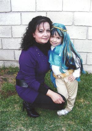 Verónica Navarro y su hija Verónica Rubio, al cumplir 5 años.