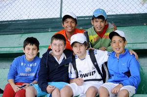Fernando , Emilio, Santiago, Juan Carlos, Rodrigo y Luis Enrique.