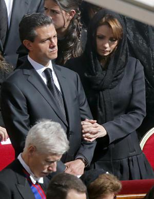 El presidente de México, Enrique Peña Nieto y su esposa Angélica Rivera estuvieron presentes en la ceremonia.