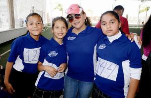 Ximena, Ángela, Cristal y Mine Martínez.