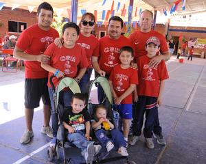 Hugo,  Francisco, Sofía, Rubén, Édgar, Sebastián, Diego, Francisco y Mía.