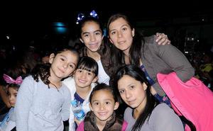 Regina, Renata, Fernanda, Greta, Karla y Flor.