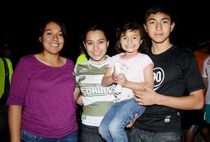 Vanessa, Isabel, María y José Antonio.