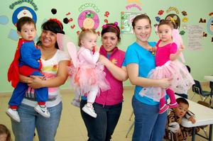 Carmina,  Ana, Ivanna y Sara.