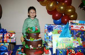 LUIS ÁNGEL  Batres Sifuentes celebró su tercer cumpleaños.