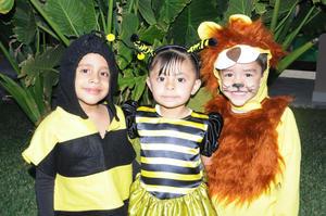 ALUMNOS  de preescolar del colegio Carvantes dieron la bienvenida a la Primavera.