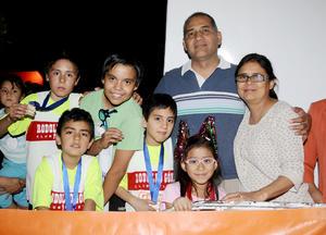Familia García Flores y Flores Lugo.